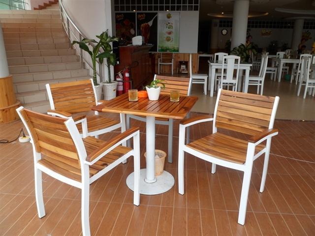Ghế cafe bằng sắt sơn tĩnh điện