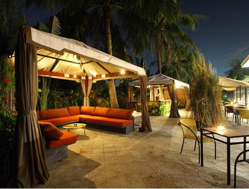 Ghế sân vườn bằng sắt mỹ nghệ ốp gỗ
