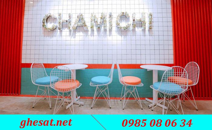 ghế sắt quán cafe