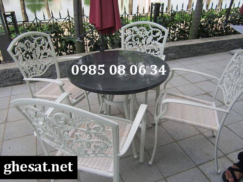 ghế sắt cho quán cafe