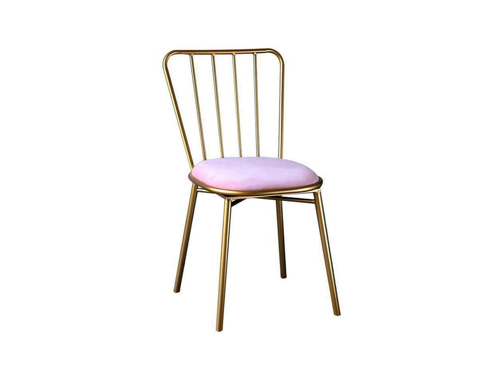 Ghế sắt 817 mang đến màu sắc của sự ngọt ngào