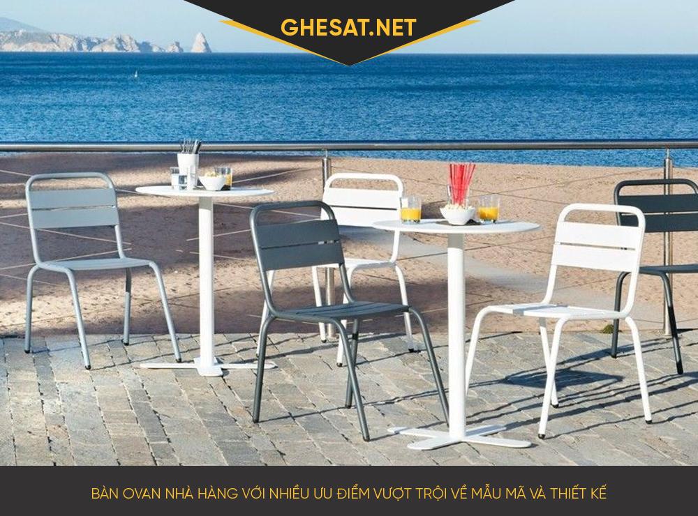 Bàn oval nhà hàng với nhiều ưu điểm vượt trội về mẫu mã và thiết kế